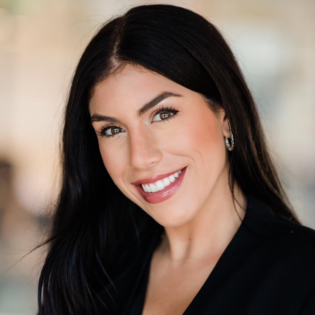 Lauren Barsamian works at FIMI Group